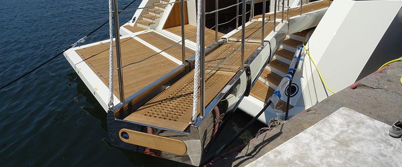 Maxxy - gangway for luxury yachts