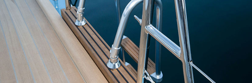 Yacht ladder for bathing