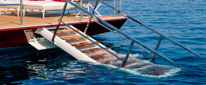 Multifunction marine ladder for yachts