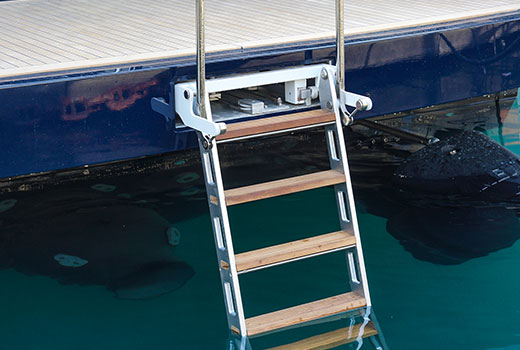 Yacht boarding equipments and ladders