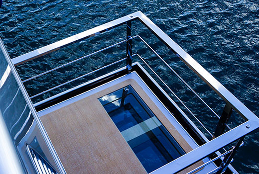 Yacht boarding equipments and handling